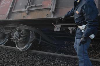 Firenze, treno contro piattaforma