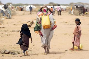 Aie: In 2017 meno di un miliardo di persone senza elettricità