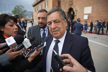 Palermo, Orlando resta sindaco: bocciata mozione sfiducia