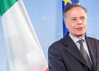 Italy not planning to leave EU or euro says minister