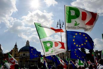 Europee senza simbolo Pd? Calenda: Pronto a candidarmi