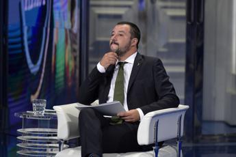 Diciotti, Giunta dice no a processo per Salvini