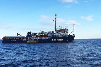 Sea Watch, la Cei scende in campo