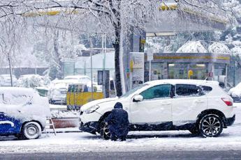 Dopo i deboli fiocchi, in arrivo neve abbondante anche nell'Alto Varesotto