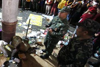 Filippine, bombe davanti a una cattedrale: 27 morti
