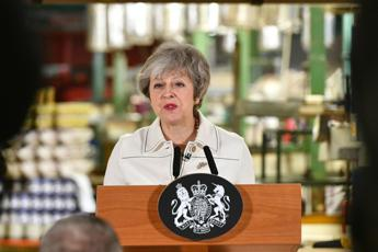 Brexit, voto in parlamento sancisce clamorosa debacle per May