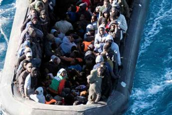 Migranti, in cento soccorsi da Guardia costiera libica