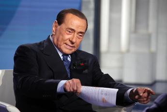I legali di Berlusconi: Indagato per stragi '93? Ipotesi assurde