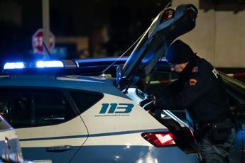 Diede fuoco a ex moglie in auto, catturato 42enne