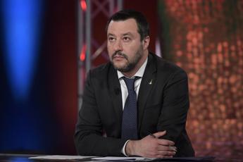 Salvini: Sgombereremo baraccopoli San Ferdinando