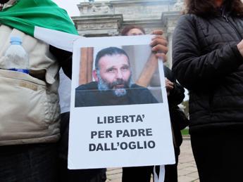 Su Padre Dall'Oglio intervenga il Copasir, lettera a Guerini