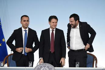 Conte, Salvini e Di Maio a cena insieme: vertice su sblocca cantieri