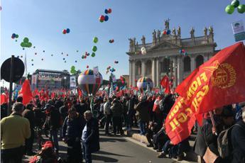 Sindacati:al via manifestazione unitaria - Ultima Ora