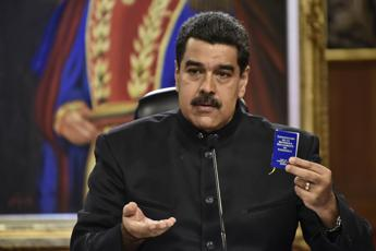 Don't heed 'mad' Trump, Maduro tells Italy, Europe