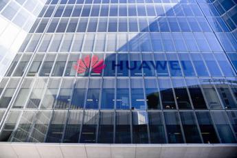 Huawei inaugura nuova sede a Milano