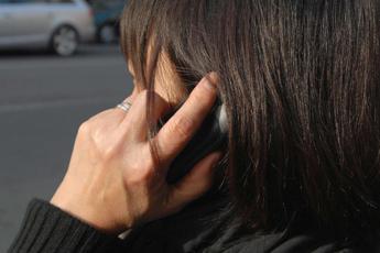Discriminata dalla compagnia telefonica, 37enne sorda scrive all'Agcom