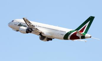 Alitalia, al via la procedura di vendita