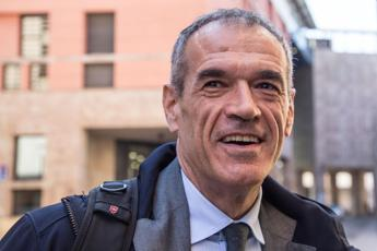 Cottarelli: Serve un sac de cul per uscire dal cul de sac