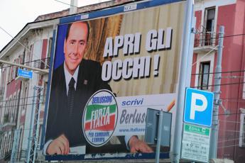 Silvio rispolvera i vecchi '6X3'