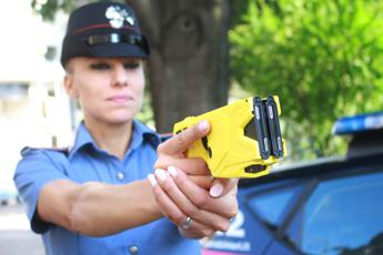 Salvini: Da giugno pistola elettrica a forze dell'ordine