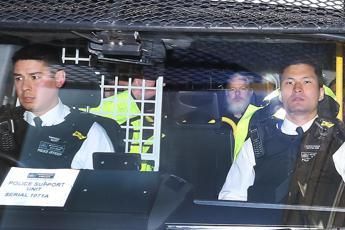 Assange arrestato a Londra