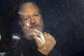 Assange sta male