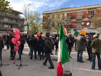 Rom a Casalotti? Il quartiere scende in piazza