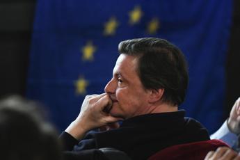 Calenda difende Renzi