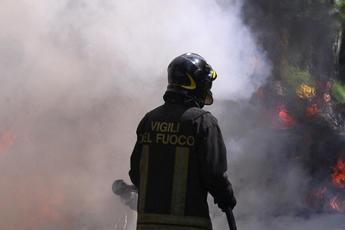Incendio in clinica privata, due morti