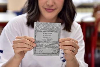 Di Maio: Sì voto a 16enni, non sono 'gretini'