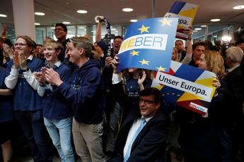 Europee. In Germania Merkel tiene, Le Pen primo partito in Francia