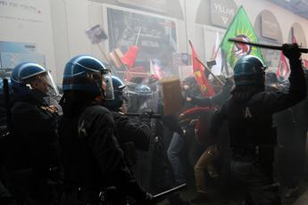 Forza Nuova a Bologna, scontri
