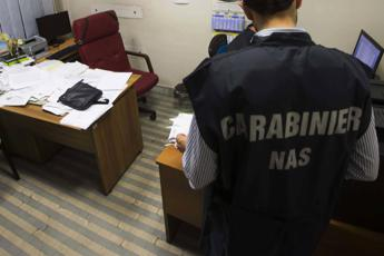 Sanità: controlli Nas in ambulatori e studi medici, chiusi 52 centri privati