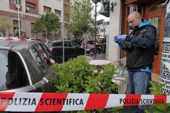 Bimba ferita a Napoli, fermati due fratelli