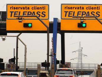Atlantia, trattativa con Partners Group per cessione 49% Telepass