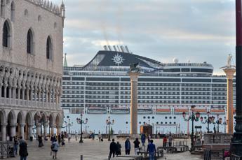Compagnie Crociera, bene Franceschini su grandi navi
