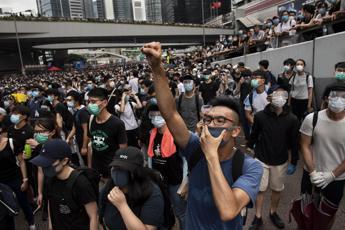 Alta tensione a Hong Kong per lo sciopero generale