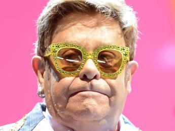 Elton John contro i tagli a 'Rocketman' in Russia