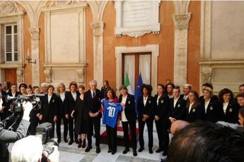 Senato, maglia n.10 a Casellati dalle Azzurre verso i Mondiali