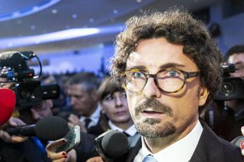 Toninelli vs Salvini: Diffonde fake news su zona rossa