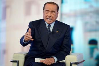 Berlusconi si scaglia contro taglio parlamentari