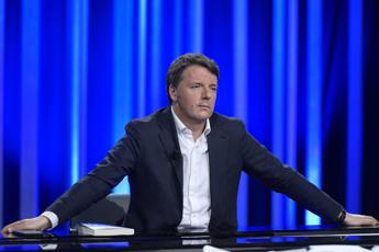 Renzi chiama Conte: Via da Pd ma sostegno a governo