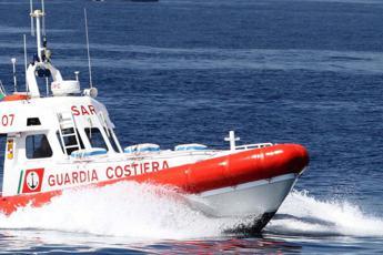 Roccella Jonica, sbarcati 28 migranti positivi al Covid