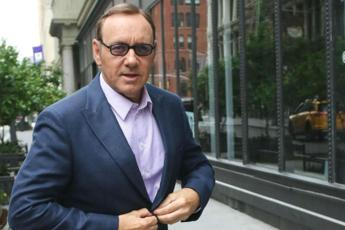 Spacey, ritirate accuse molestie