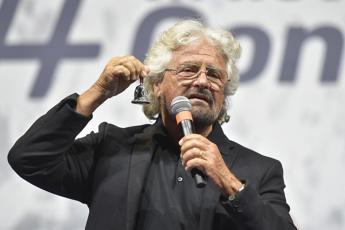 In attivo la Srl di Grillo, ricavi per 230mila euro da spazi web