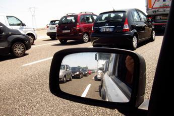Si può pignorare l'auto intestata a un'altra persona?