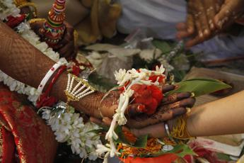 Bangladesh, abolita categoria 'vergine' nei certificati di matrimonio