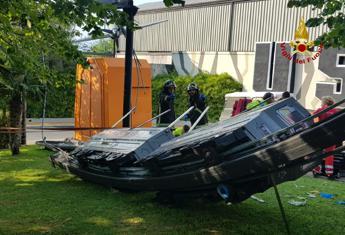 Trenino si ribalta, 7 feriti in parco divertimenti del veronese