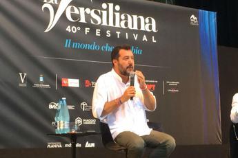 """Salvini: Siamo nelle mani di una trentina di Renziani """"title ="""" Salvini: Siamo nelle mani di una trentina di Renziani """"larghezza ="""" 400 """"/>  </div> <p class="""