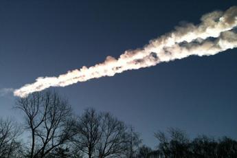 Cade un meteorite in Sardegna, cielo illuminato a giorno